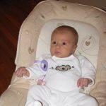 Bébé fille 1 mois