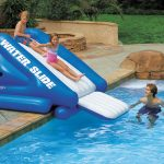 Toboggan piscine gonflable