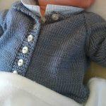 Tricot cardigan bébé